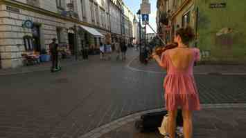 Qatar- Foreign institutions turn net buyers on QSE amid higher trading...
