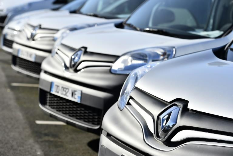 Renault recalls 15000 cars for emissions fixes, France says