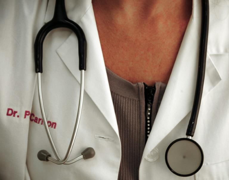 Academic female physicians paid less than male counterparts-Know why