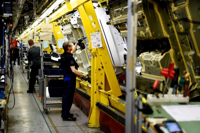 German factory orders rise for second straight month