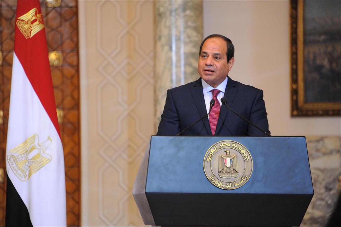 Egypt's Sisi heads for visits to Kuwait, Bahrain to refresh ties